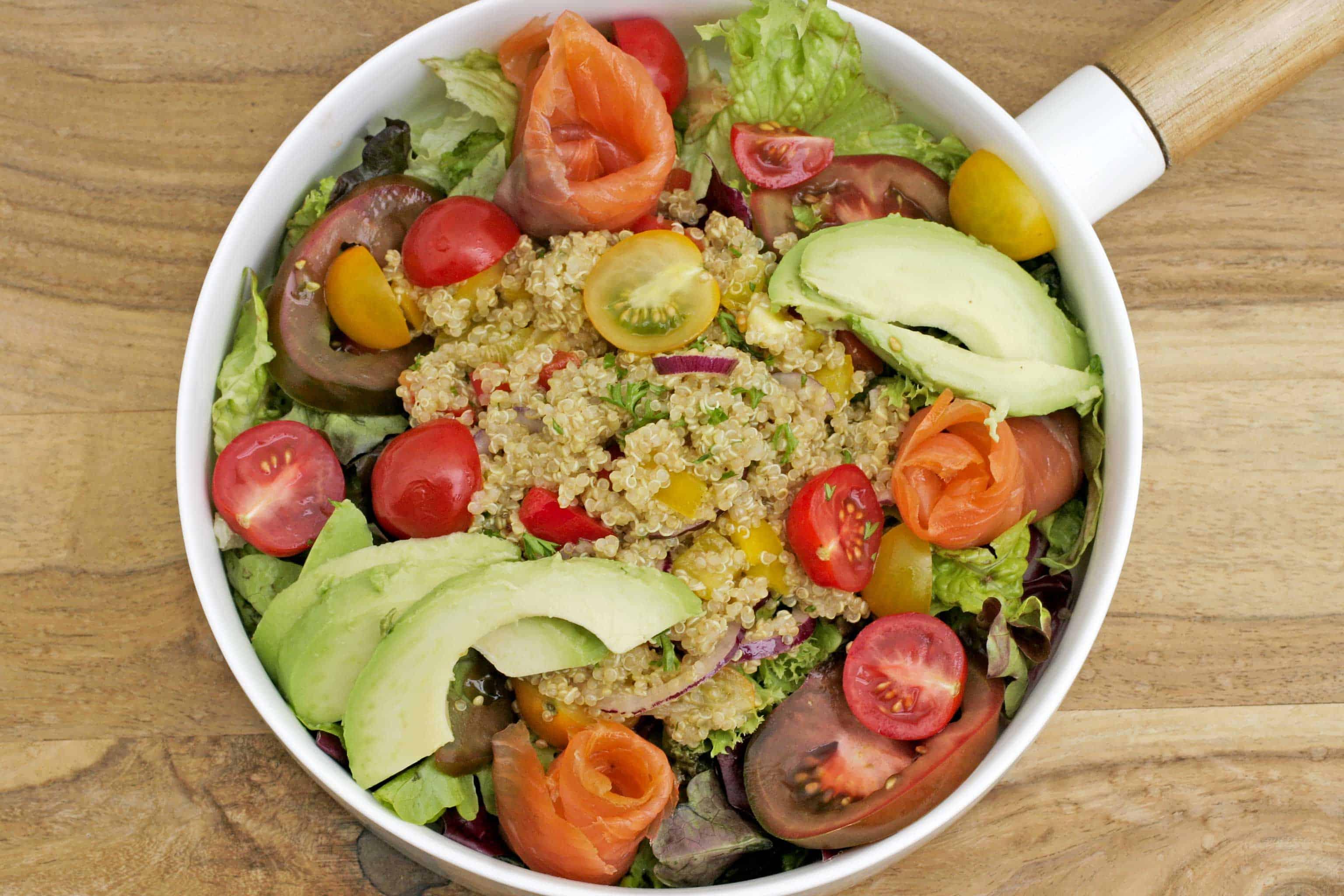 lunch salade met quinoa zalm keukenrevolutie foodblog. Black Bedroom Furniture Sets. Home Design Ideas