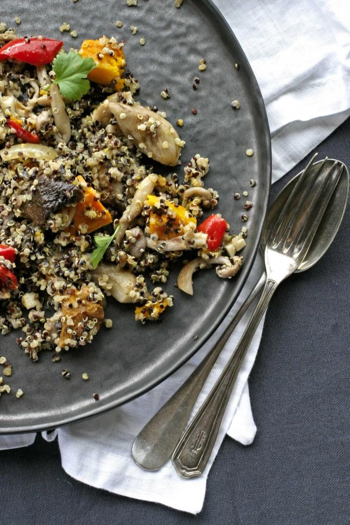 quinoa-met-pompoen-en-paddenstoelen