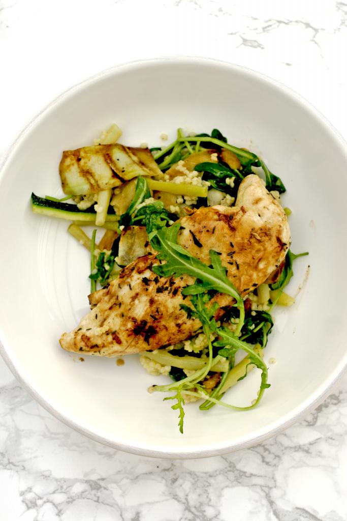 gegrilde-kip-met-courgette-salade