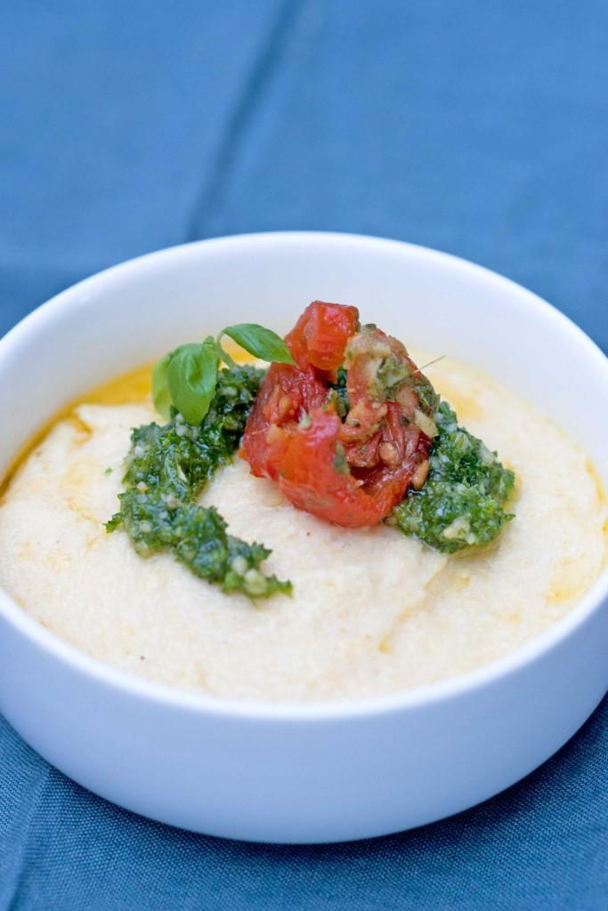 polenta-met-pesto-en-tomaat