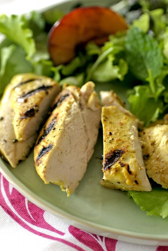 lunch-salade-met-kip-en-perzikken